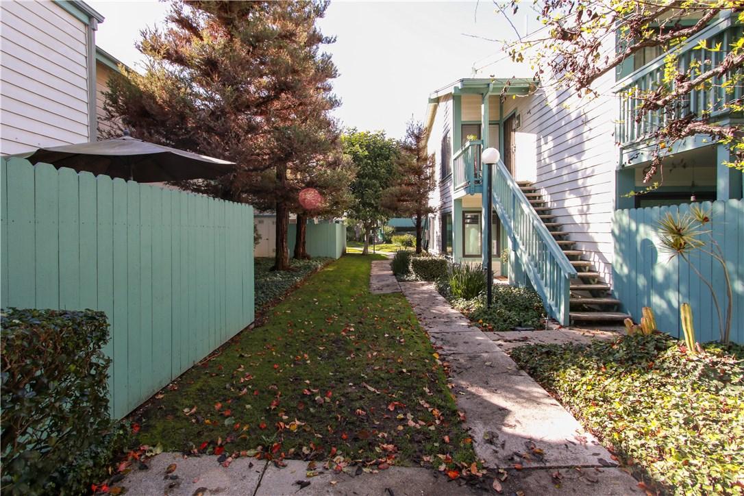 20557 S Vermont Ave 4, Torrance, CA 90502 photo 2