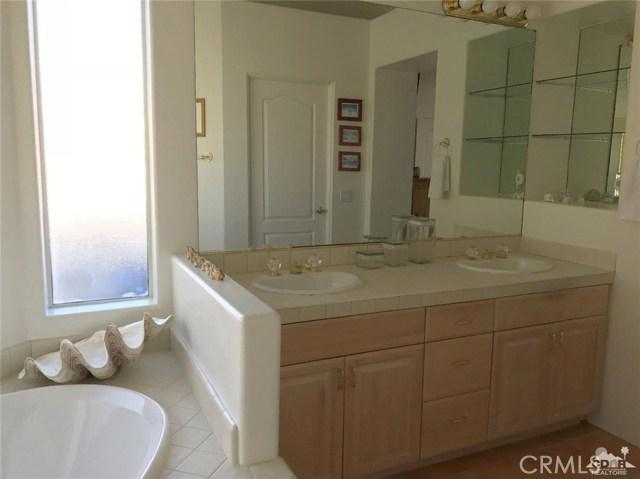 40620 Glenwood Lane, Palm Desert CA: http://media.crmls.org/medias/b6732440-0e30-4da5-a814-3d6f8bfa92f1.jpg