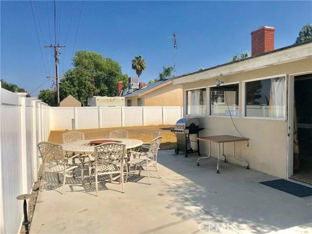 1011 W Citron Street, Corona CA: http://media.crmls.org/medias/b6757c0f-50f5-4664-9adc-9aacd3d6e8fc.jpg