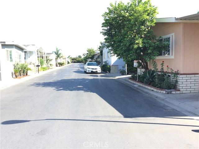 4080 W 1st Street, Santa Ana CA: http://media.crmls.org/medias/b67e7cd2-0228-4d08-8ad6-77822885535d.jpg