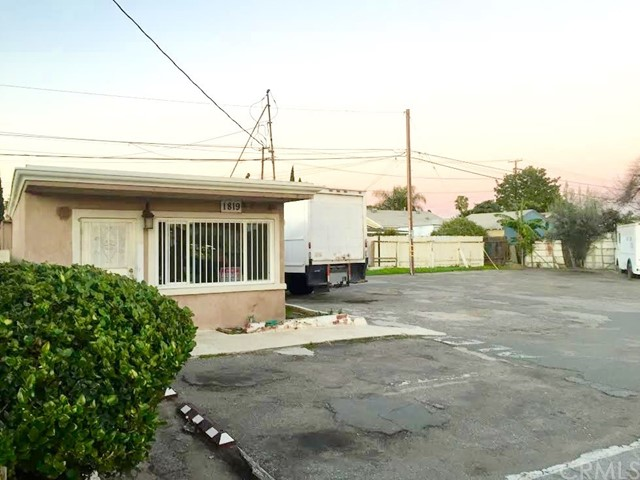 Single Family for Sale at 1819 1st Street W Santa Ana, California 92703 United States
