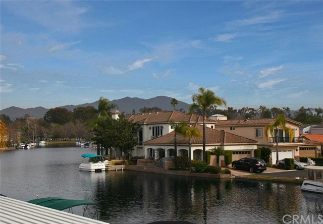 Single Family Home for Sale at 21886 Huron St Lake Forest, California 92630 United States