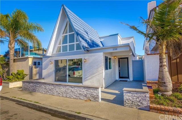 226 Colton Street Newport Beach, CA 92663 is listed for sale as MLS Listing LG18025044
