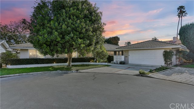 14322 Willow Lane, Tustin CA: http://media.crmls.org/medias/b6c1d6bf-53ad-435a-8730-c7d6f122cab7.jpg