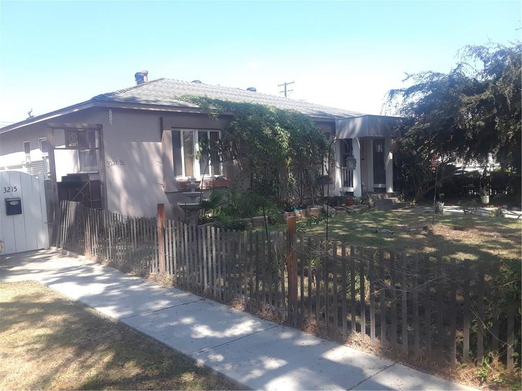 3221 Lewis Avenue, Signal Hill CA: http://media.crmls.org/medias/b6cc8dbb-0b2e-4700-8c94-21f882834a74.jpg