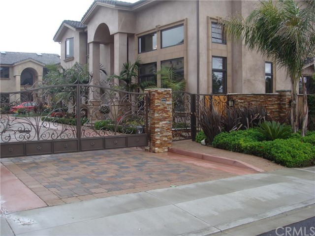 Single Family Home for Rent at 264 Santa Isabel St Costa Mesa, California 92627 United States