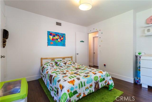 9160 Alder Street, Rancho Cucamonga CA: http://media.crmls.org/medias/b6e931ab-7496-484d-84e4-91d22c7e56cf.jpg