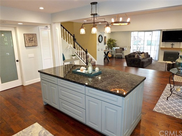 Townhouse for Sale at 520 Medford Court Unit 103 520 Medford Court Long Beach, California 90803 United States