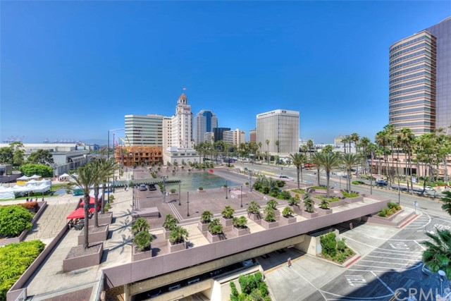 388 E Ocean Boulevard, Long Beach CA: http://media.crmls.org/medias/b701185c-77ff-45ed-abe5-8b31f489a9c2.jpg