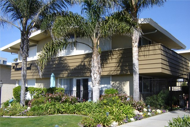 Single Family Home for Sale at 116 Paseo de la Concha 116 Paseo de la Concha Redondo Beach, California 90277 United States