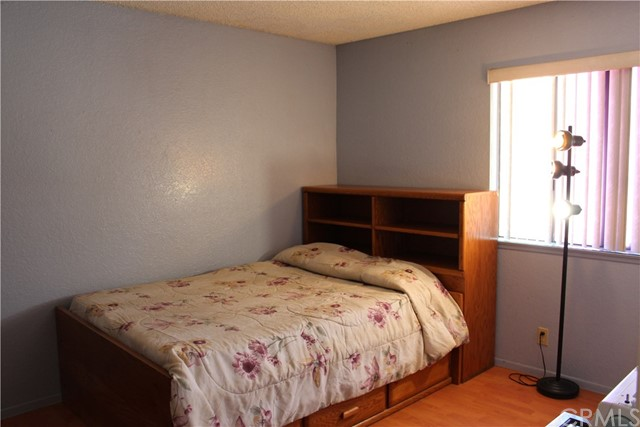 435 E Camden Street, Glendora CA: http://media.crmls.org/medias/b7027118-043f-4dc9-a607-9c4dae7103c1.jpg