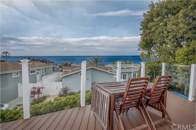 Detail Gallery Image 1 of 30 For 30802 Coast #F5,  Laguna Beach,  CA 92651 - 2 Beds | 1/1 Baths