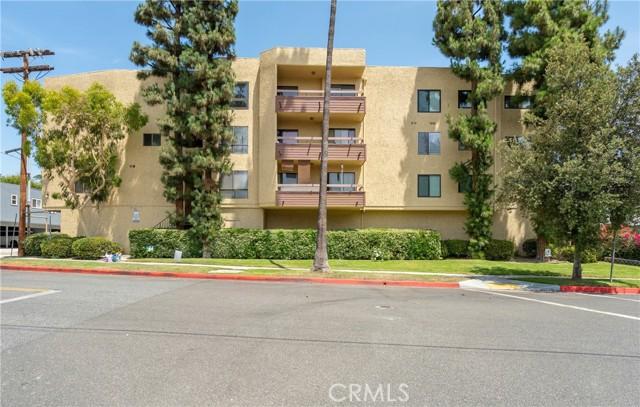 444 Piedmont Avenue, Glendale CA: http://media.crmls.org/medias/b709846e-bab1-4de5-8448-f955c0235683.jpg
