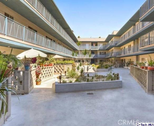 1126 N Central Avenue Unit 102 Glendale, CA 91202 - MLS #: 318002303