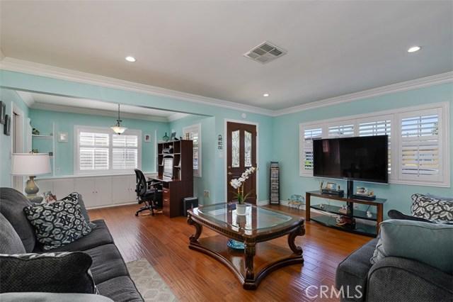 10806 Madge Avenue, South Gate CA: http://media.crmls.org/medias/b71b9aa5-d01f-4545-bb51-2413d171189d.jpg