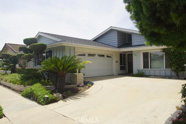 3025 Marna Avenue, Long Beach CA: http://media.crmls.org/medias/b71bedf5-fbca-4fde-875f-9eb8bbeec35d.jpg