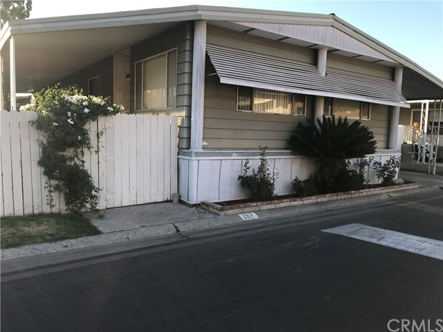 4901 Green River Road, Corona CA: http://media.crmls.org/medias/b73d20e0-d0da-47fa-b14a-87c34e7b30d0.jpg