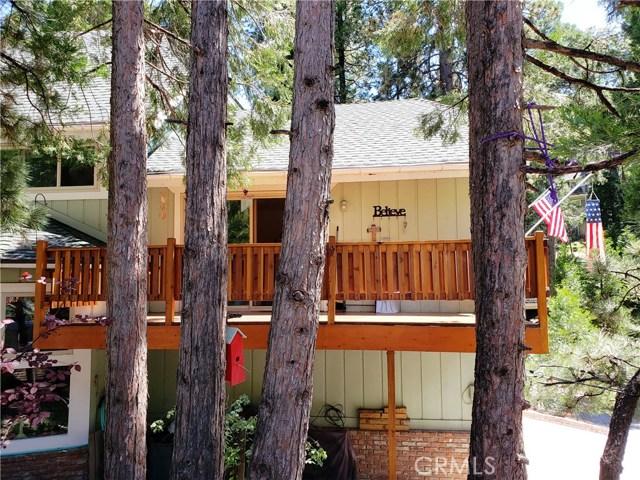 615 Pioneer Road, Lake Arrowhead CA: http://media.crmls.org/medias/b758fb99-58d1-400e-8d00-906ea611eb6f.jpg