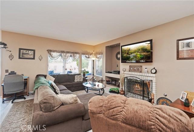 1059 Silvercreek Road, Corona CA: http://media.crmls.org/medias/b75b7119-81c1-4bb4-89aa-092e430ea155.jpg