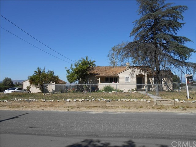 Single Family for Sale at 1283 Amethyst Avenue Mentone, California 92359 United States