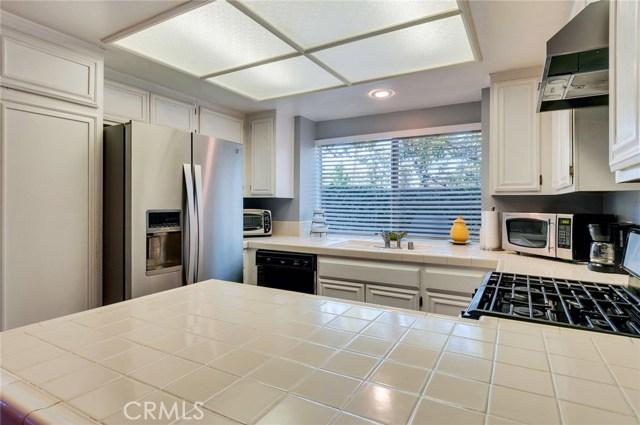 951 Inn Keeper Lane, Corona CA: http://media.crmls.org/medias/b7725f9d-e9be-4930-8f3d-a0aa48faa5d4.jpg