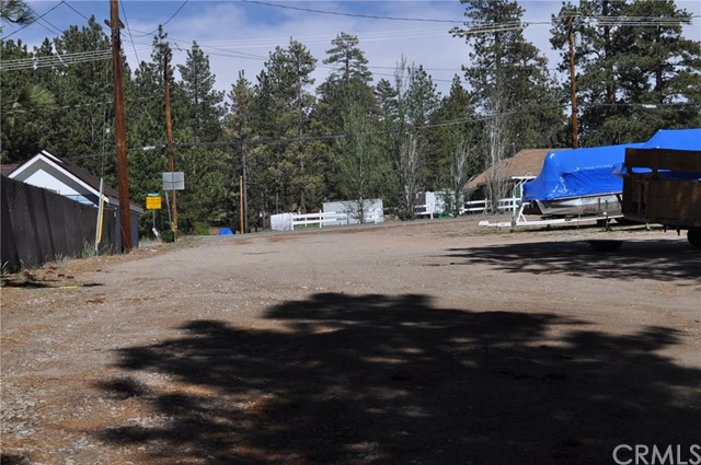 39925 Deer Lane, Big Bear CA: http://media.crmls.org/medias/b774793d-99cb-40df-ad63-945b02301cbd.jpg