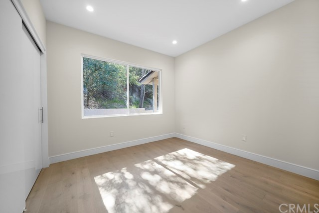14811 Jadestone Drive, Sherman Oaks CA: http://media.crmls.org/medias/b783e78f-f438-43e4-b5f1-9027bcea40e9.jpg