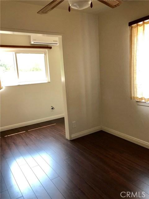 13333 Earl Avenue, Baldwin Park CA: http://media.crmls.org/medias/b7b0b63b-8516-4d26-984d-3cba843e2ced.jpg