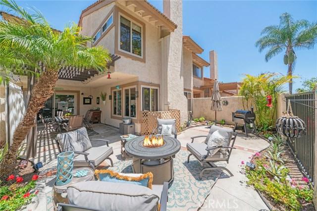 8456  Oakstone Circle, Huntington Beach, California