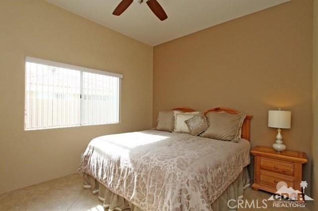 39 Colonial Drive, Rancho Mirage CA: http://media.crmls.org/medias/b7b2c428-5787-4fa4-b430-ebb843f3e45a.jpg
