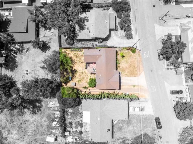 9916 Irvine Avenue, Upper Lake CA: http://media.crmls.org/medias/b7b7c174-9209-4fbb-8788-636ef47fc388.jpg
