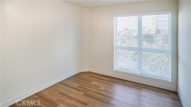 620 S Virgil Avenue, Los Angeles CA: http://media.crmls.org/medias/b7be54c3-4bed-4d1b-9855-473758e699e7.jpg