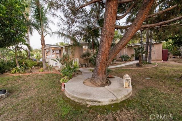 1625 Gum Tree Lane, Fallbrook CA: http://media.crmls.org/medias/b7c41c13-1ea6-4ca7-ac16-d0f30a3aa5b8.jpg