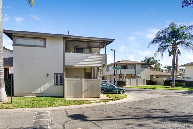 Detail Gallery Image 1 of 22 For 964 Pinyon Ct #4,  Ontario,  CA 91762 - 1 Beds   1 Baths