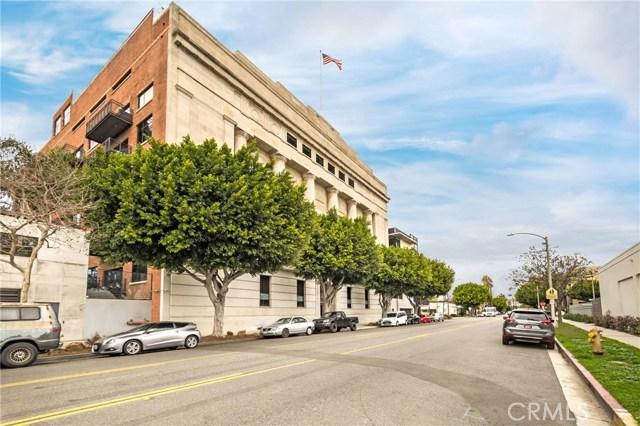 835 Locust Avenue, Long Beach CA: http://media.crmls.org/medias/b7cf54c1-ea58-4a7b-9ebe-0c9644ca10ca.jpg