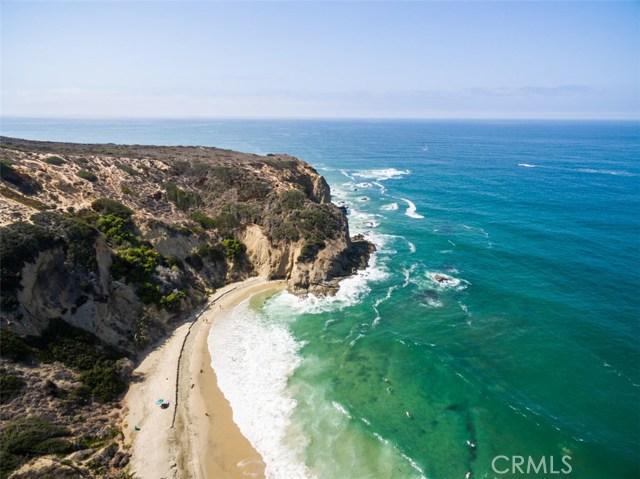 1 Strand Beach Drive, Dana Point CA: http://media.crmls.org/medias/b7d3db34-7d5a-4277-b64e-653c68097fc0.jpg
