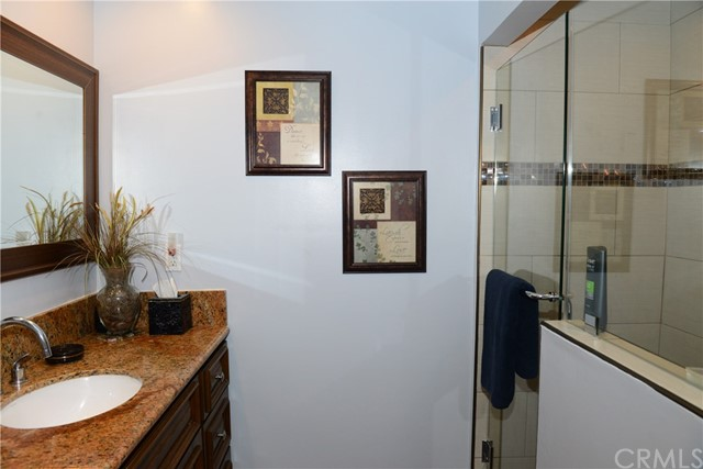 3511 Elm Avenue, Long Beach CA: http://media.crmls.org/medias/b7d50708-8d0a-4468-bd08-8a31a8f4af63.jpg