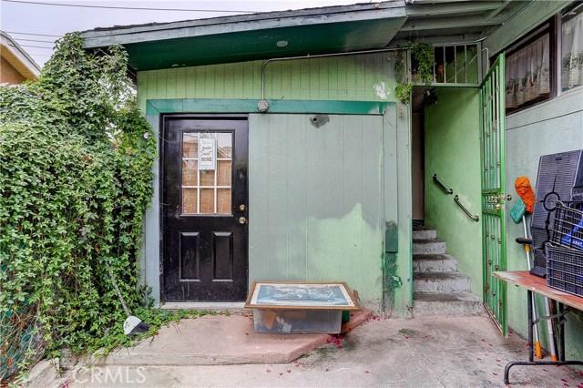 4214 Floral Drive, Los Angeles CA: http://media.crmls.org/medias/b7daf2fa-cf9c-4d7a-902b-9aa7bbaf96b7.jpg