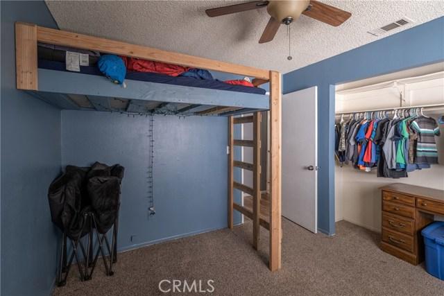 131 Zolder Street, Hemet CA: http://media.crmls.org/medias/b7dc4e22-e35d-4276-b3fa-56c9570768a4.jpg