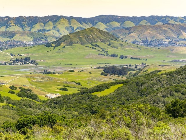 1990 Sycamore Canyon, San Luis Obispo CA: http://media.crmls.org/medias/b7eb8d5e-9b70-4b30-aa1b-49bf83ebbc17.jpg