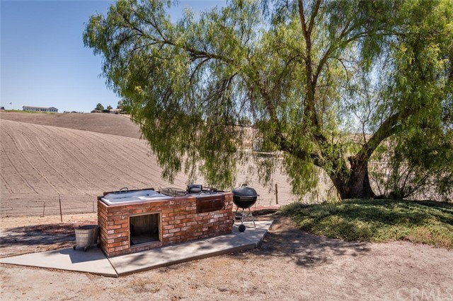6260 Independence Ranch Lane, San Miguel CA: http://media.crmls.org/medias/b7eece59-5d74-40c5-885d-3a2e2f7c9bc9.jpg