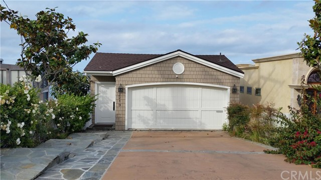Single Family Home for Rent at 2219 Pacific St Corona Del Mar, California 92625 United States