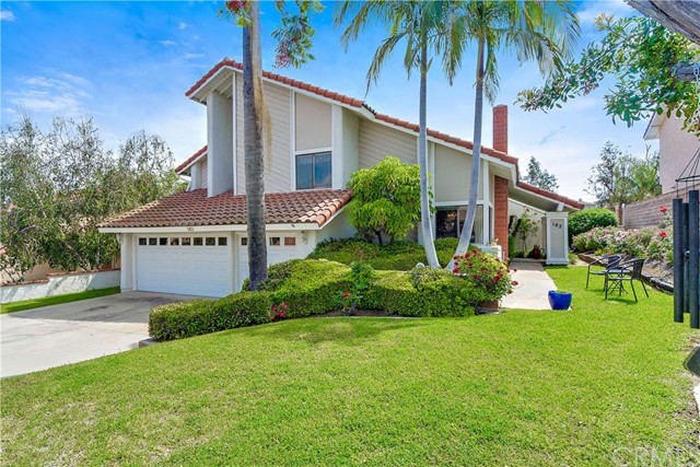 Property for sale at 182 S Canyon Woods Road, Anaheim Hills,  CA 92807
