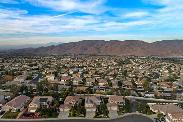 13696 Silver Stirrup Drive, Corona CA: http://media.crmls.org/medias/b7f89bac-1ded-4bc2-9a2d-4d49e58badc0.jpg
