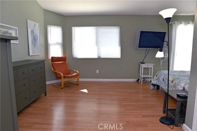 9379 Delfern Lane, Riverside CA: http://media.crmls.org/medias/b8029e91-423b-4064-bfd3-3636264de590.jpg