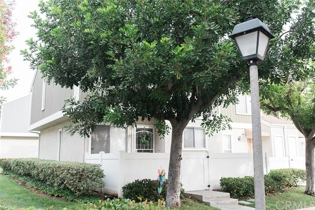Townhouse for Sale at 1 Bentwood Lane Aliso Viejo, California 92656 United States