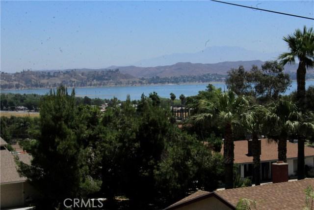 15160 Darnell Drive, Lake Elsinore CA: http://media.crmls.org/medias/b8199a83-4a5d-446b-812f-a7729cc6b736.jpg