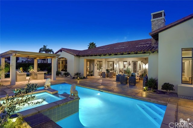 15 Villaggio Place, Rancho Mirage CA: http://media.crmls.org/medias/b81d780a-2381-4b6a-b24d-c3e41173add6.jpg