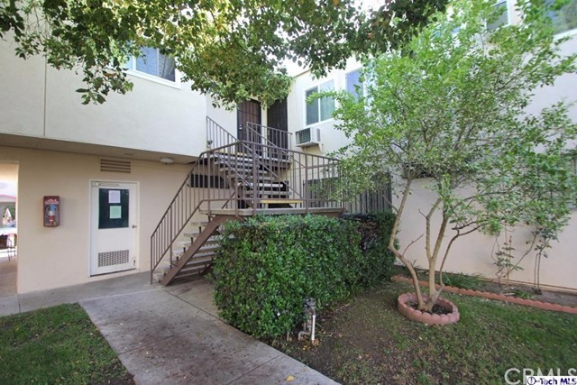 7137 Coldwater Canyon Avenue North Hollywood CA  91605