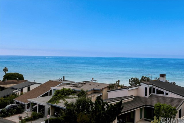 1040 La Mirada Street, Laguna Beach CA: http://media.crmls.org/medias/b838a34a-d534-42ba-af51-fe66b849e070.jpg